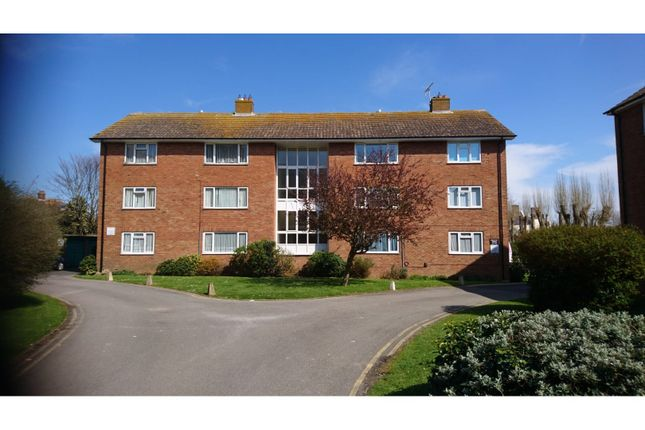 Thumbnail Flat for sale in Meadway Court, Worthing