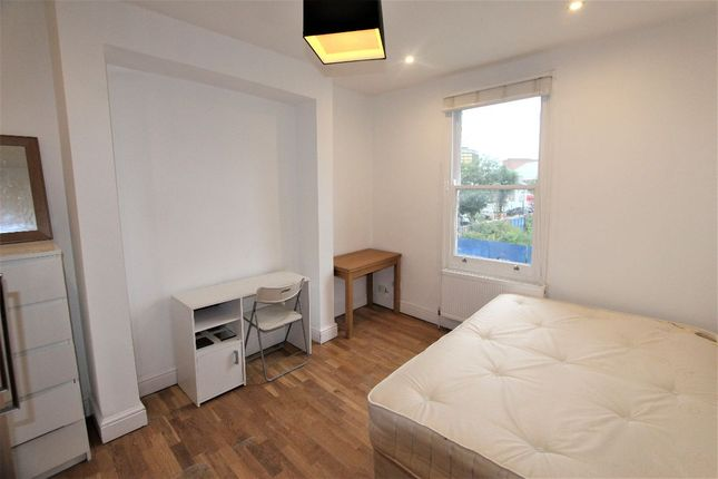 Thumbnail Flat to rent in Mayes Road, London