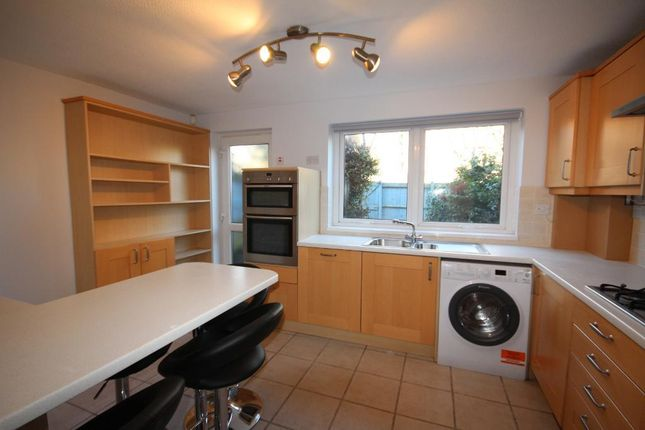 Thumbnail Flat to rent in Lofting Road, Islington