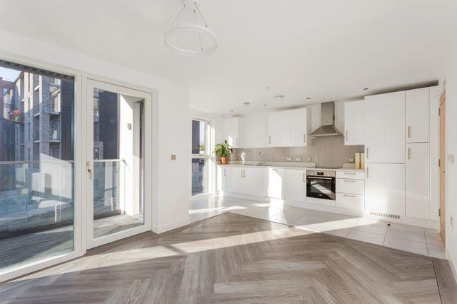 Thumbnail Flat to rent in Stephenson Row, Stratford-Upon-Avon