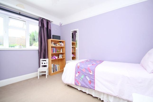 Picture No. 12 of Crewes Avenue, Warlingham, Surrey CR6