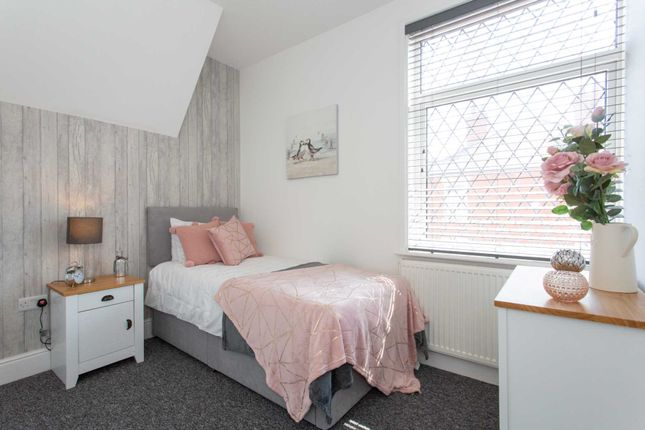 Thumbnail Room to rent in Victoria Road, Worksop
