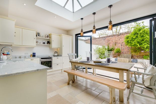 Thumbnail Terraced house for sale in Calbourne Road, London
