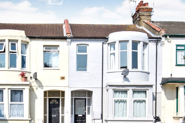 Thumbnail Flat to rent in Victoria Road, Southend-On-Sea, Essex