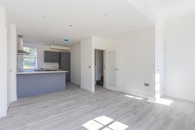 Thumbnail Flat for sale in The Lodge, Lake Road West, Roath Park