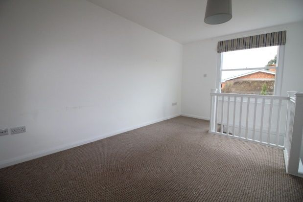 Thumbnail Flat to rent in St. Johns Street, Chichester