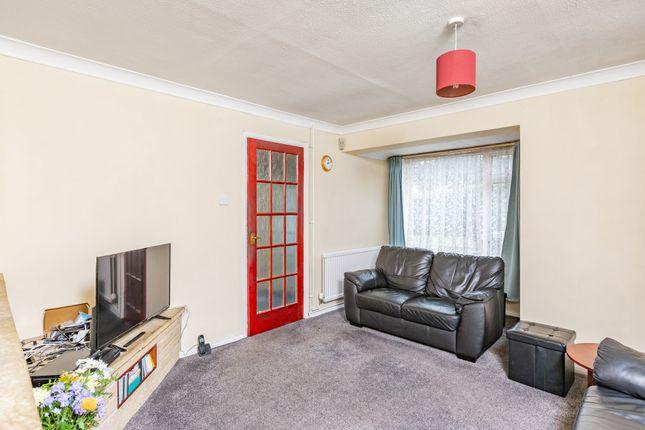 Living Room of Strand Close, Meopham, Gravesend DA13