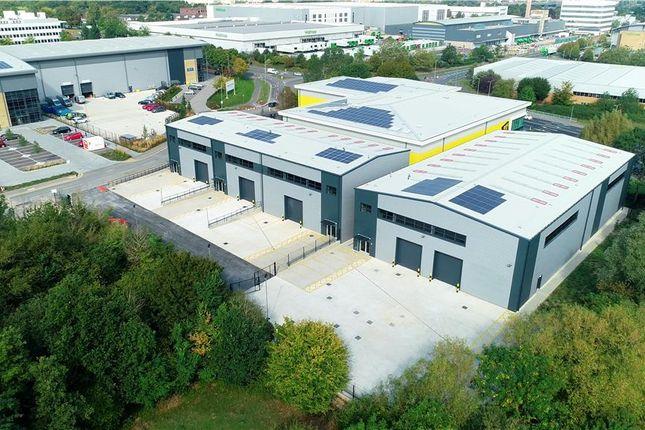 Thumbnail Industrial to let in Unit 4, Ellesfield Trade Centre, Ellesfield Avenue, Bracknell, Berkshire