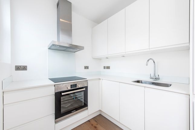 Thumbnail Flat for sale in Birch Grove, Ealing