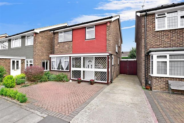 Thumbnail Detached house for sale in Randolph Close, Barnehurst, Kent