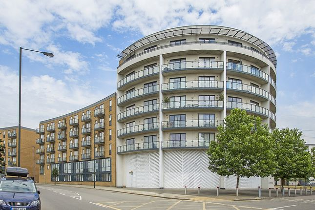 1 bed flat to rent in Vincent Row, Durnsford Road, Wimbledon SW19