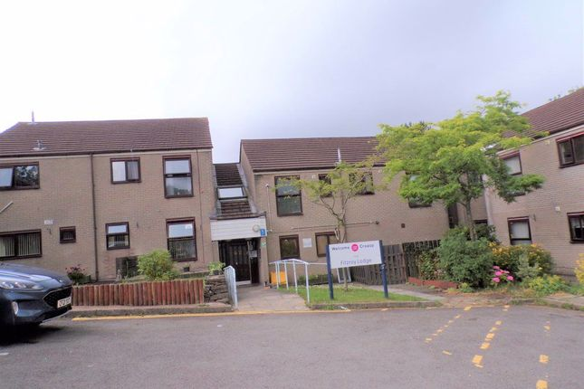 1 bed flat to rent in 17 Fitzroy Lodge, Twyn Gardens, Blackwood NP12