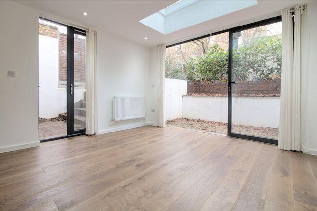 Thumbnail Flat to rent in Kyverdale Road, London