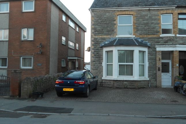 Thumbnail Maisonette to rent in South Road, Porthcawl
