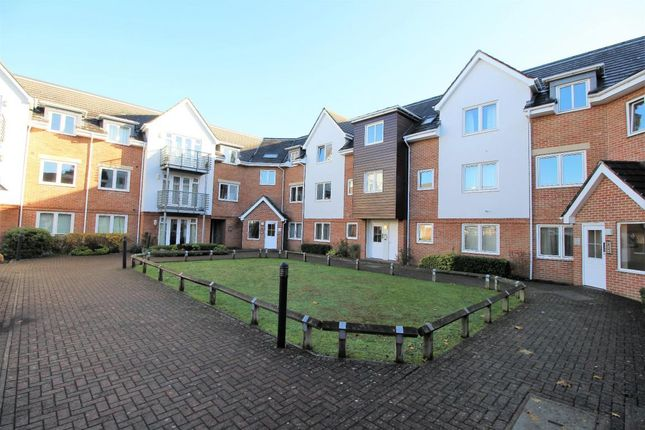 Thumbnail Flat for sale in Old Dairy Close, Fleet