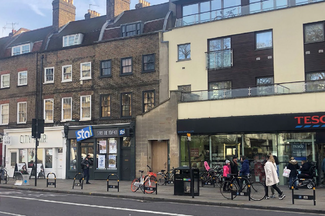 Thumbnail Retail premises for sale in Islington Green, London