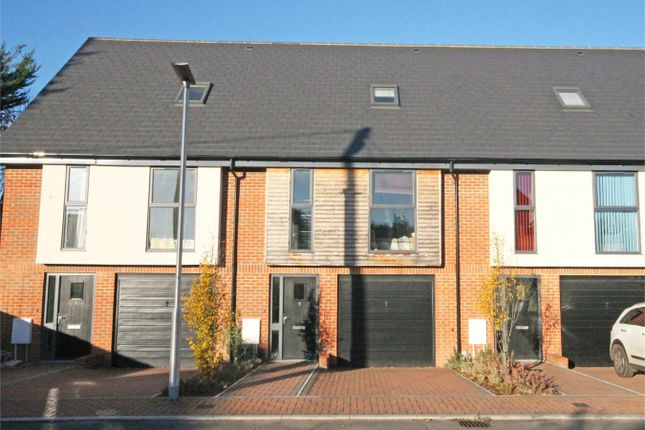 Thumbnail Town house to rent in Faircross Court, Thatcham
