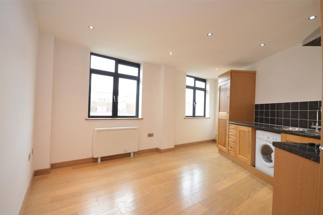 2 bed flat to rent in Bradley House St. Stephens Avenue, Bristol