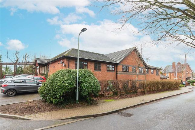 2 bed flat for sale in Emerson Court, Albert Walk, Crowthorne RG45