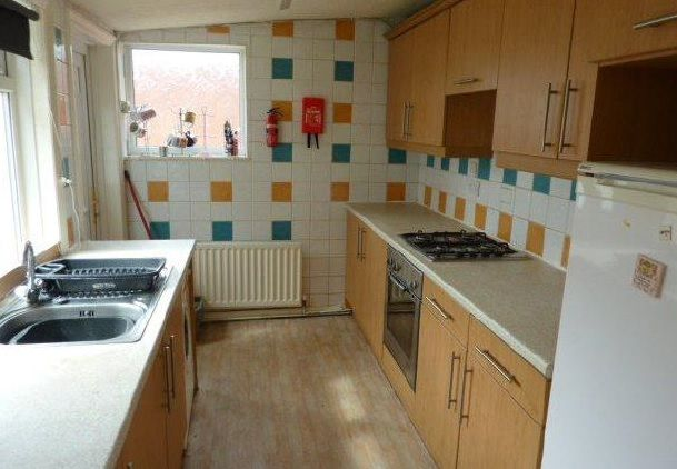 Thumbnail Terraced house to rent in Norwood Avenue, Heaton