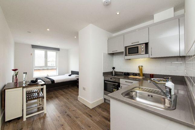 Studio to rent in Kilburn High Road, Kilburn