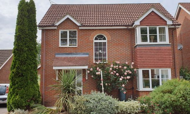 Thumbnail Detached house for sale in Oaktree Close, Letchworth Garden City