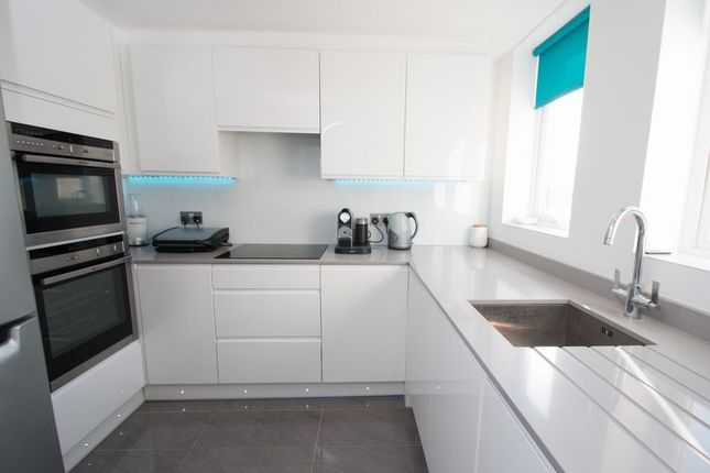 Thumbnail Flat for sale in Oliver Court, Main Road, Chichester