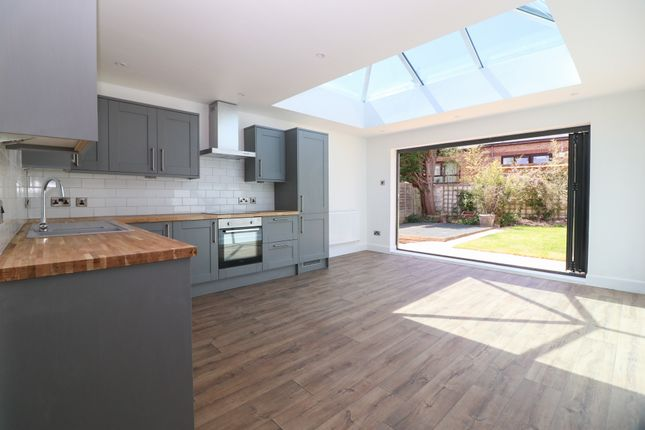 Thumbnail Detached bungalow for sale in Yew Tree Close, Hedge End, Southampton