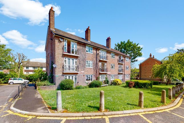Thumbnail Flat for sale in Charters Close, London
