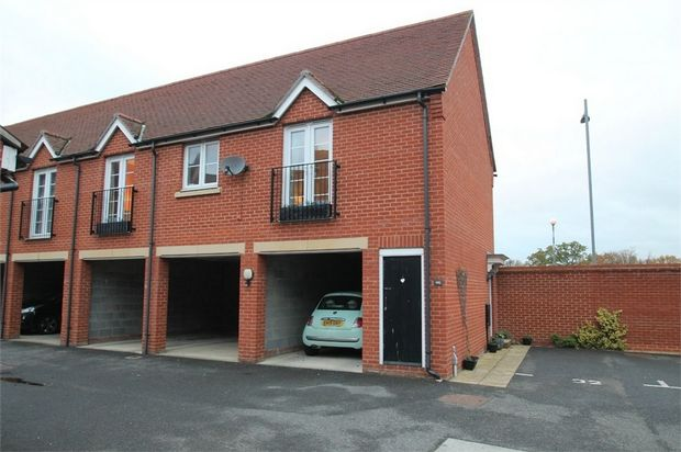 Thumbnail Maisonette to rent in Chapman Place, Colchester, Essex