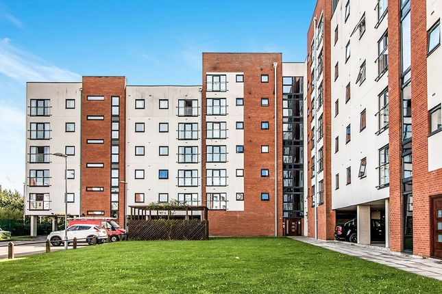 Thumbnail Flat to rent in Pilgrims Way, Salford