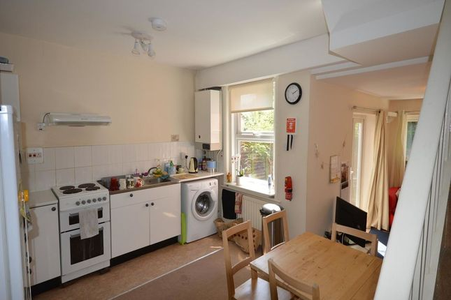 Thumbnail Property to rent in Prinstead Close, Bar End Road, Winchester