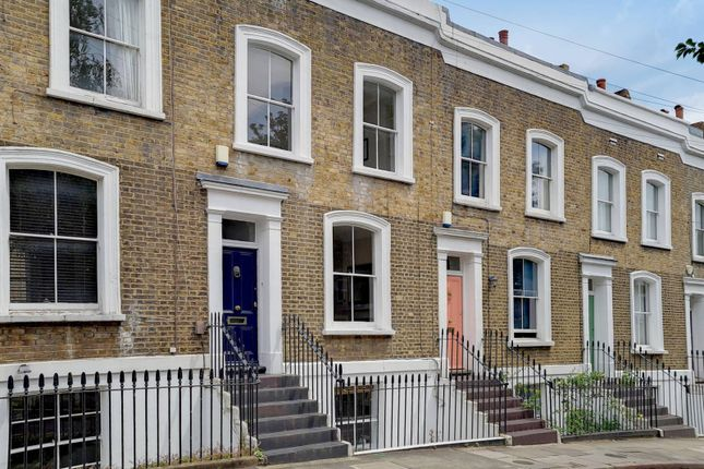 Thumbnail Property for sale in Queens Head Street, Angel, London