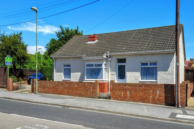 Thumbnail Bungalow to rent in Station Road, Portchester, Fareham