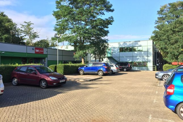 Thumbnail Warehouse to let in Albert Drive, Burgess Hill