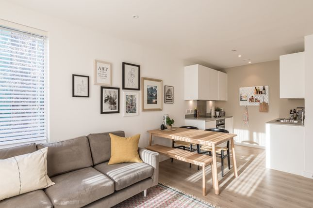 Thumbnail 1 bedroom flat for sale in Addiscombe Grove, Croydon