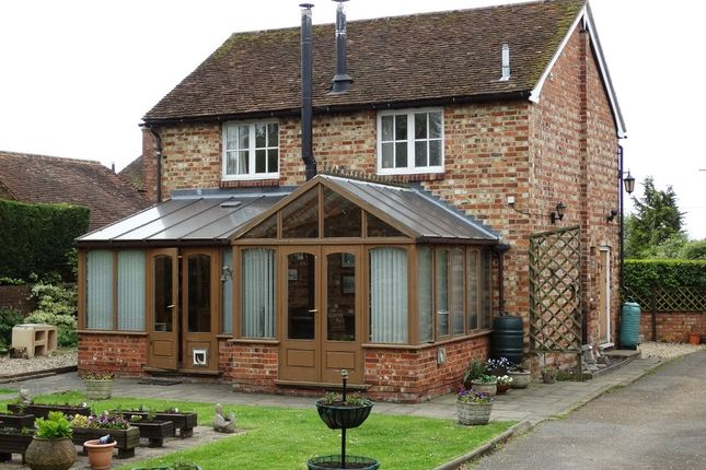 Thumbnail Barn conversion for sale in Longridge Villas, Thorn Road, Marden, Tonbridge