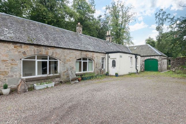 Thumbnail Farmhouse for sale in Murieston, Livingston