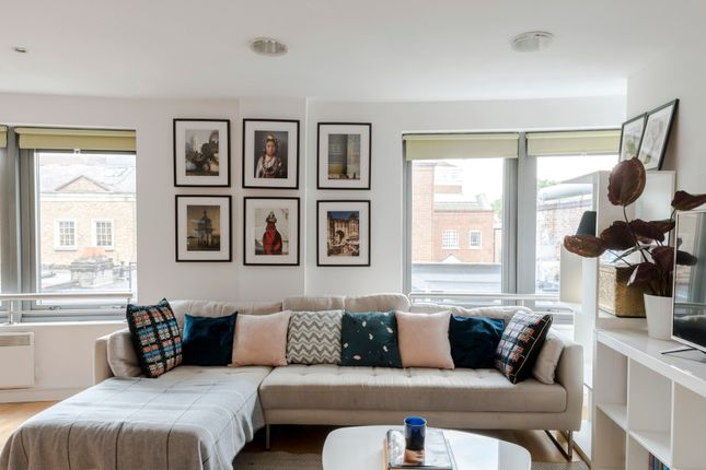 Thumbnail Flat to rent in Garden Walk, London