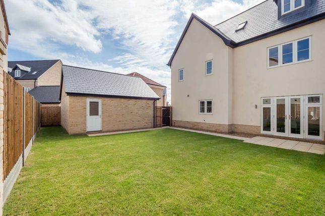 5 bedroom detached house for sale in Woodpecker Avenue, Holt