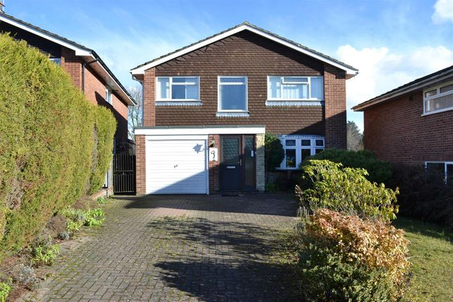 Thumbnail Property for sale in Cheviot Close, Newbury