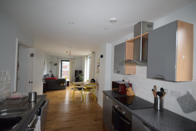 Thumbnail Flat to rent in Vicar Lane, Sheffield