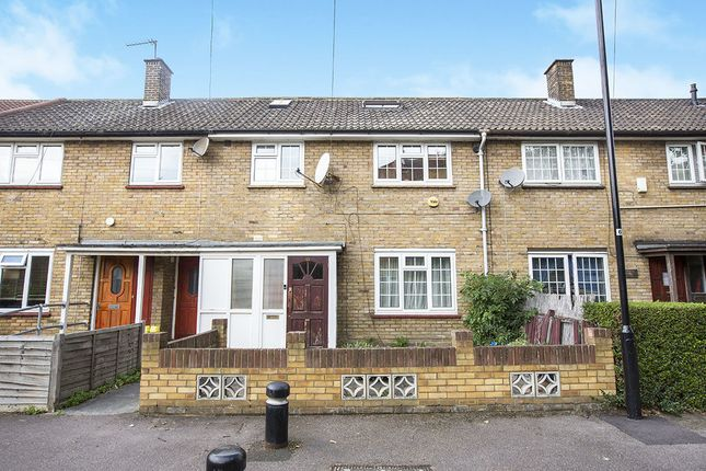 4 bed property for sale in Kennedy Close, London