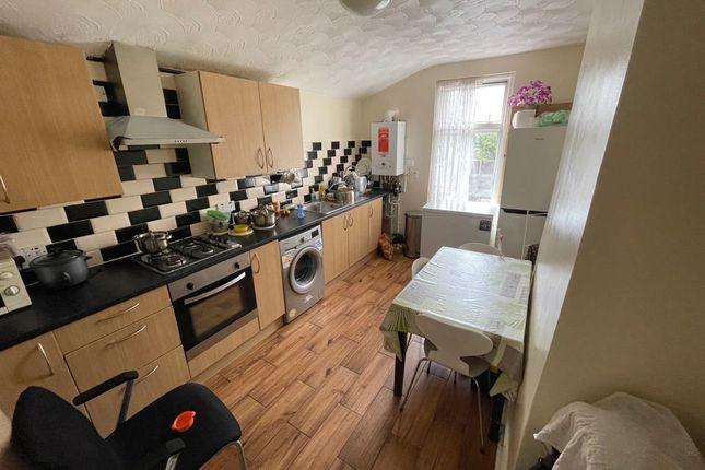 Thumbnail Flat to rent in Morris Avenue, London