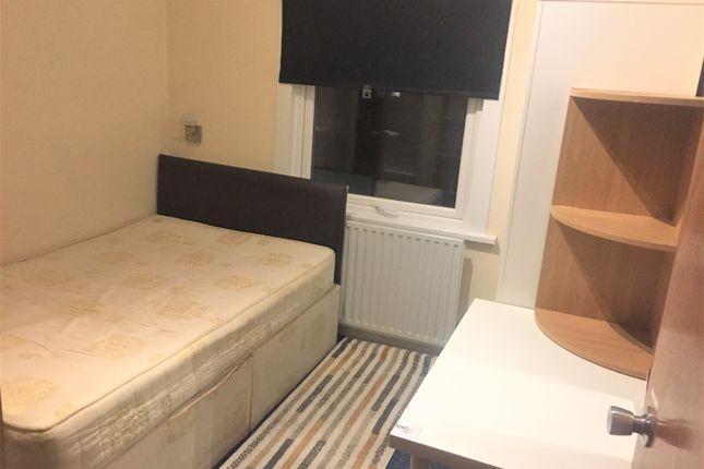 Studio to rent in Murchison Road, London E10