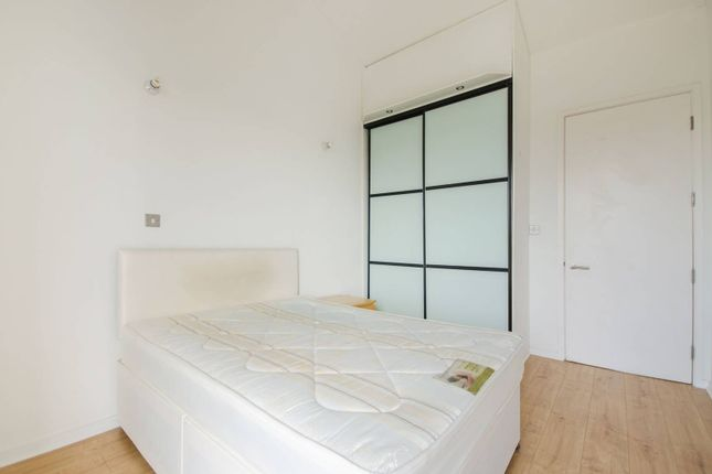 Thumbnail Flat to rent in Greenroof Way, Greenwich Millennium Village