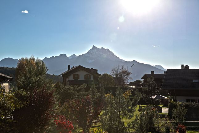 Thumbnail Chalet for sale in Arveyes - Villars-Sur-Ollon, Vaud, Switzerland