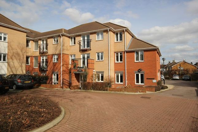 Thumbnail Property for sale in Cannon Lane, Luton