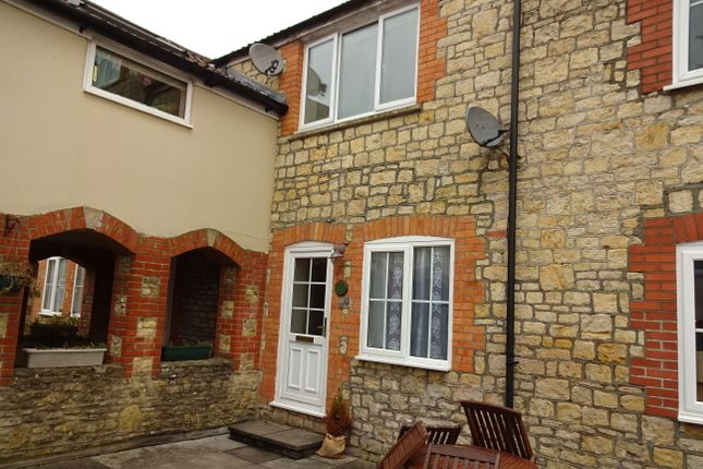 Thumbnail Terraced house to rent in Vineys Yard, Bruton