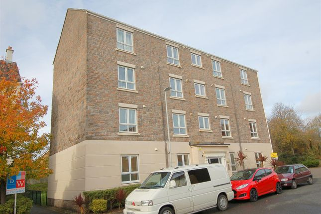 Thumbnail Flat for sale in Barlow Gardens, Plymouth